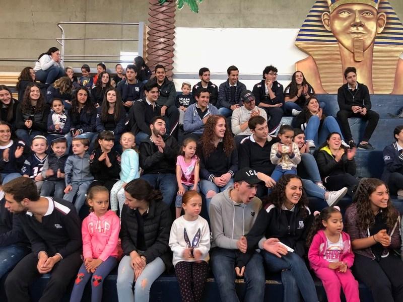 Hoy los alumnos de Bachillerato compartieron el Seder de Pesaj con los alumnos del Kínder Featured Photo