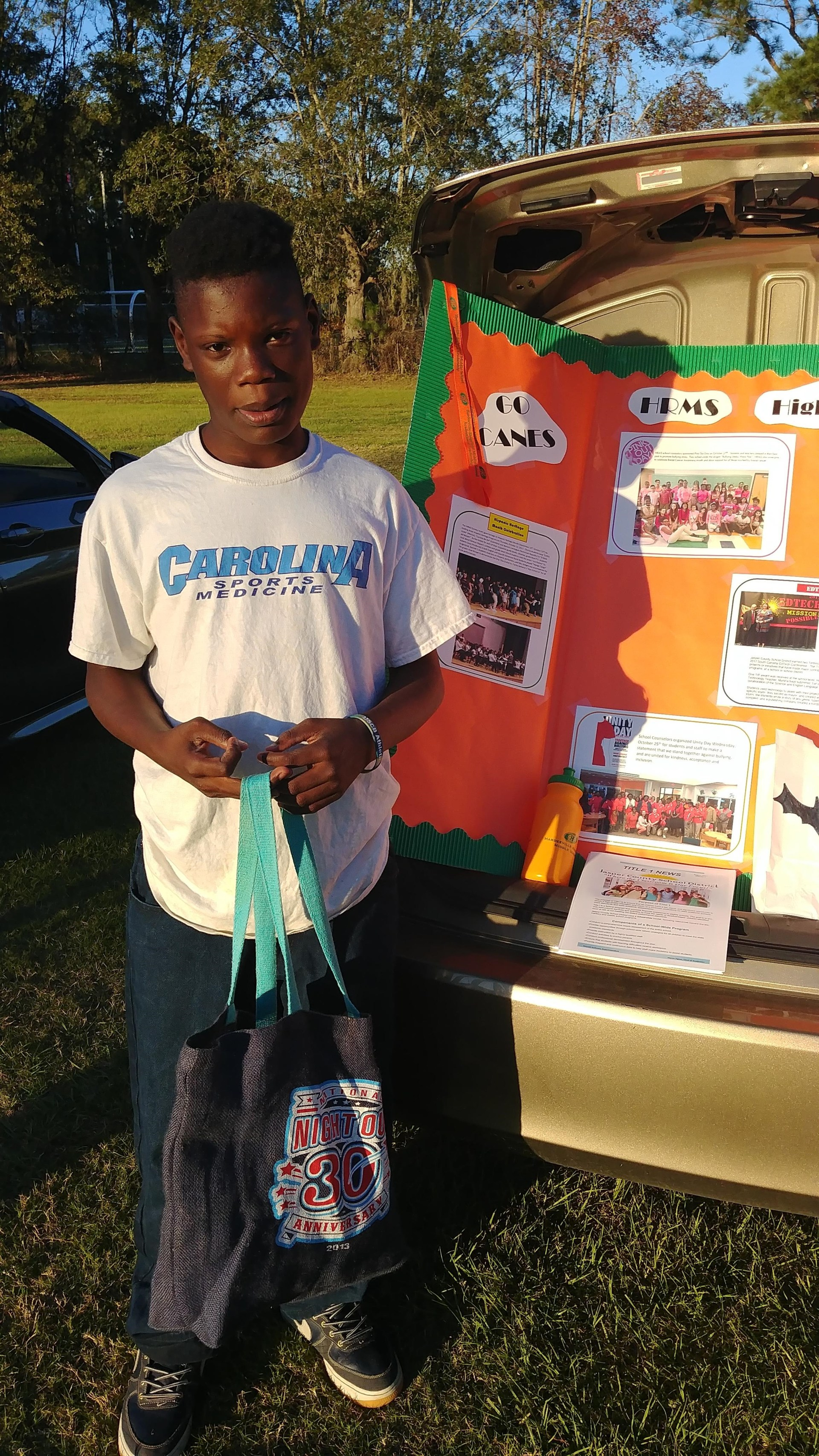 HRMS student at city's Trunk-or-Treat