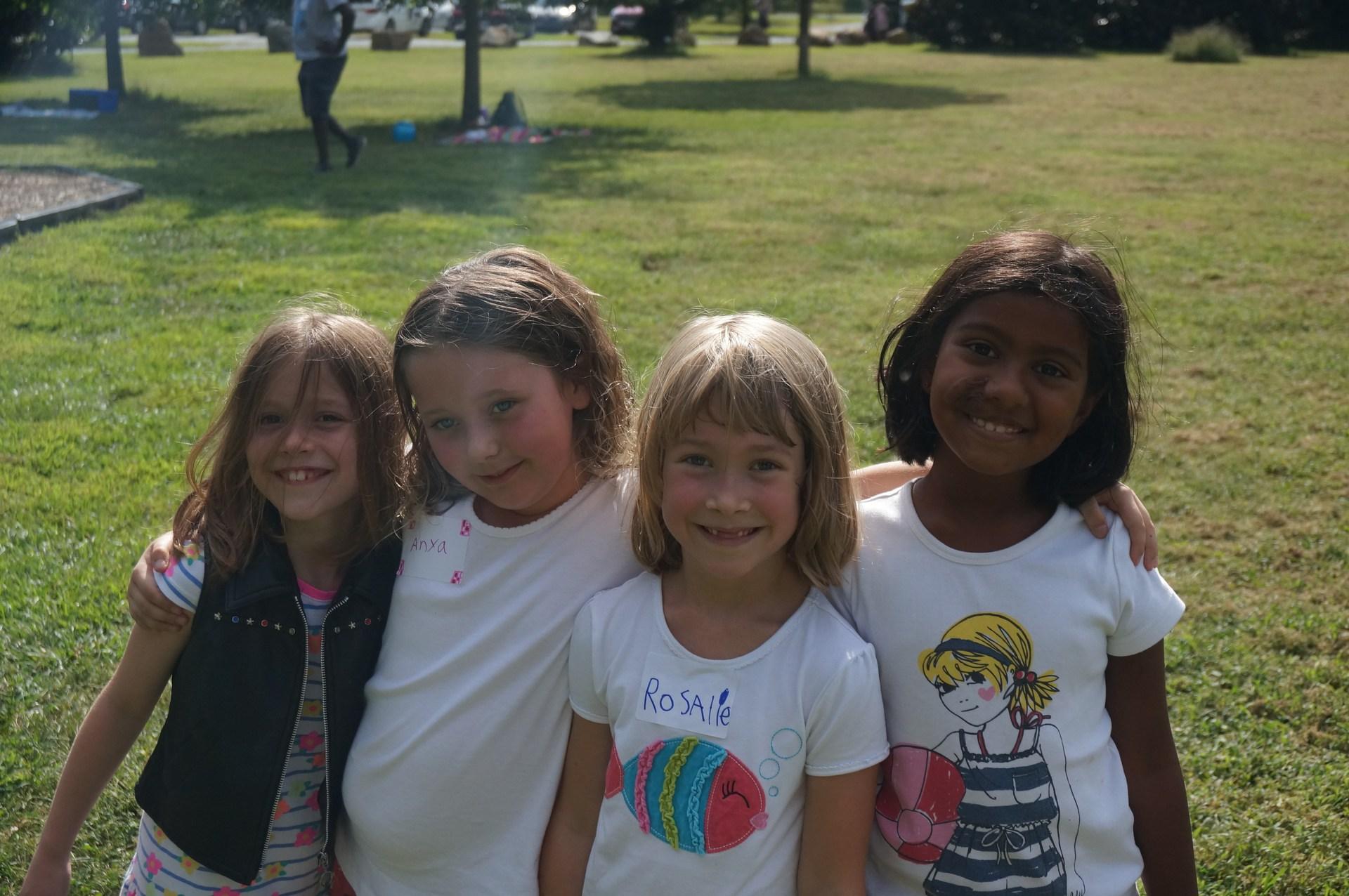 Lower El girls at picnic
