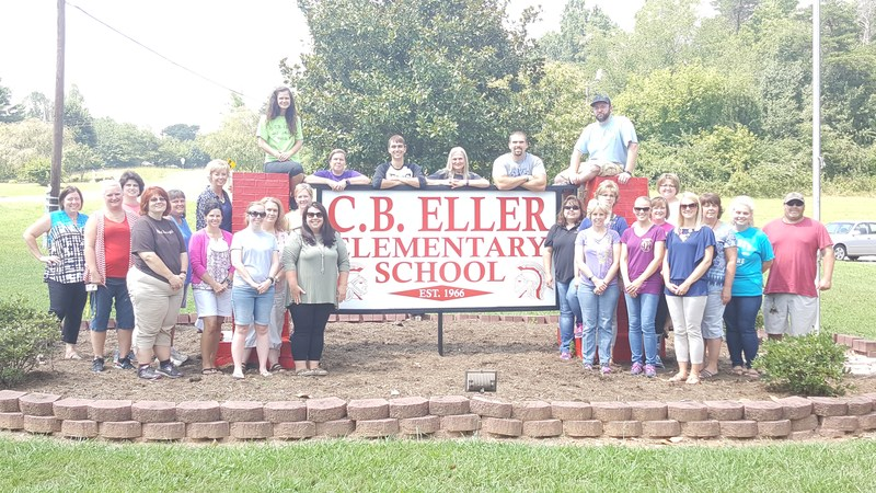 CB Eller Staff Welcomes Parents and Students Thumbnail Image