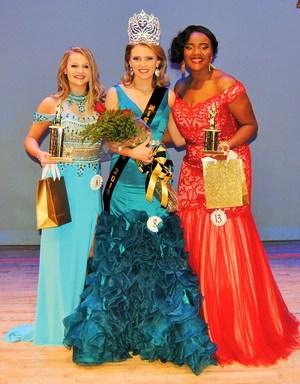 Left to Right: Brooke Meindl, Sarah Creamer and Kenyatta Williams.