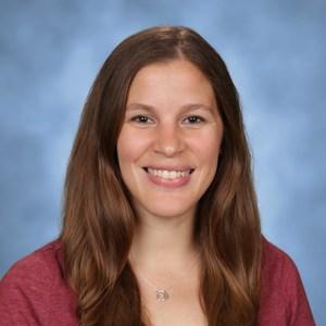 Elizabeth Denyes's Profile Photo