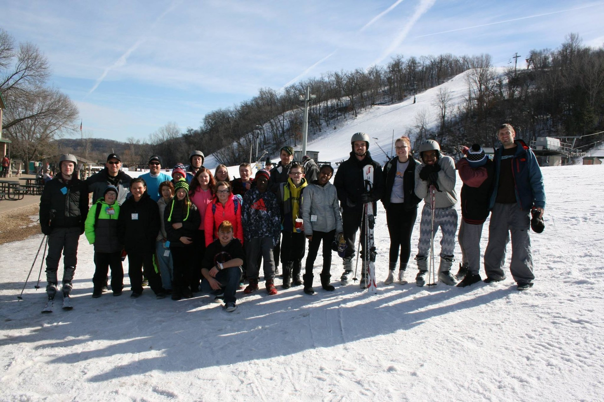 middle school students skiing