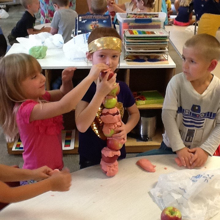 Preschool and 1st Grade Team Up for STEM! Featured Photo