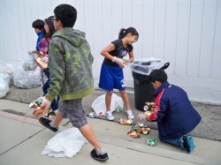 recycling drive for japan 013.jpg