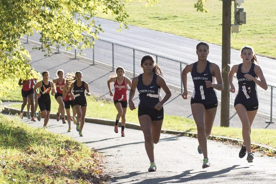 girls outdoor track team