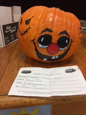 West--Pumpkin Decorating--5.jpg
