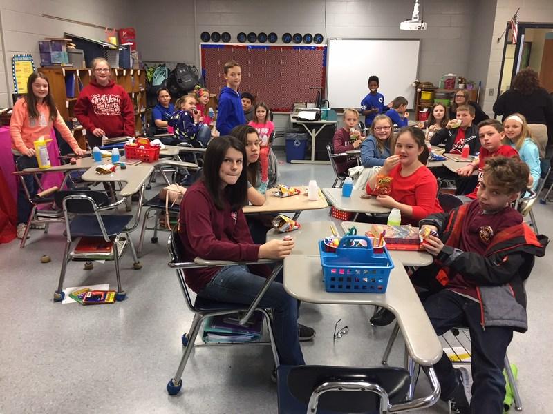 5th Grade Enjoying Their Snacks