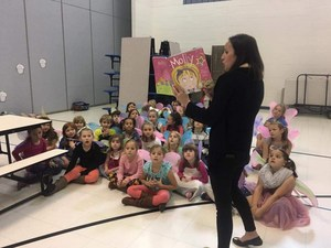 Alison Curvan reads a fairy story.JPG
