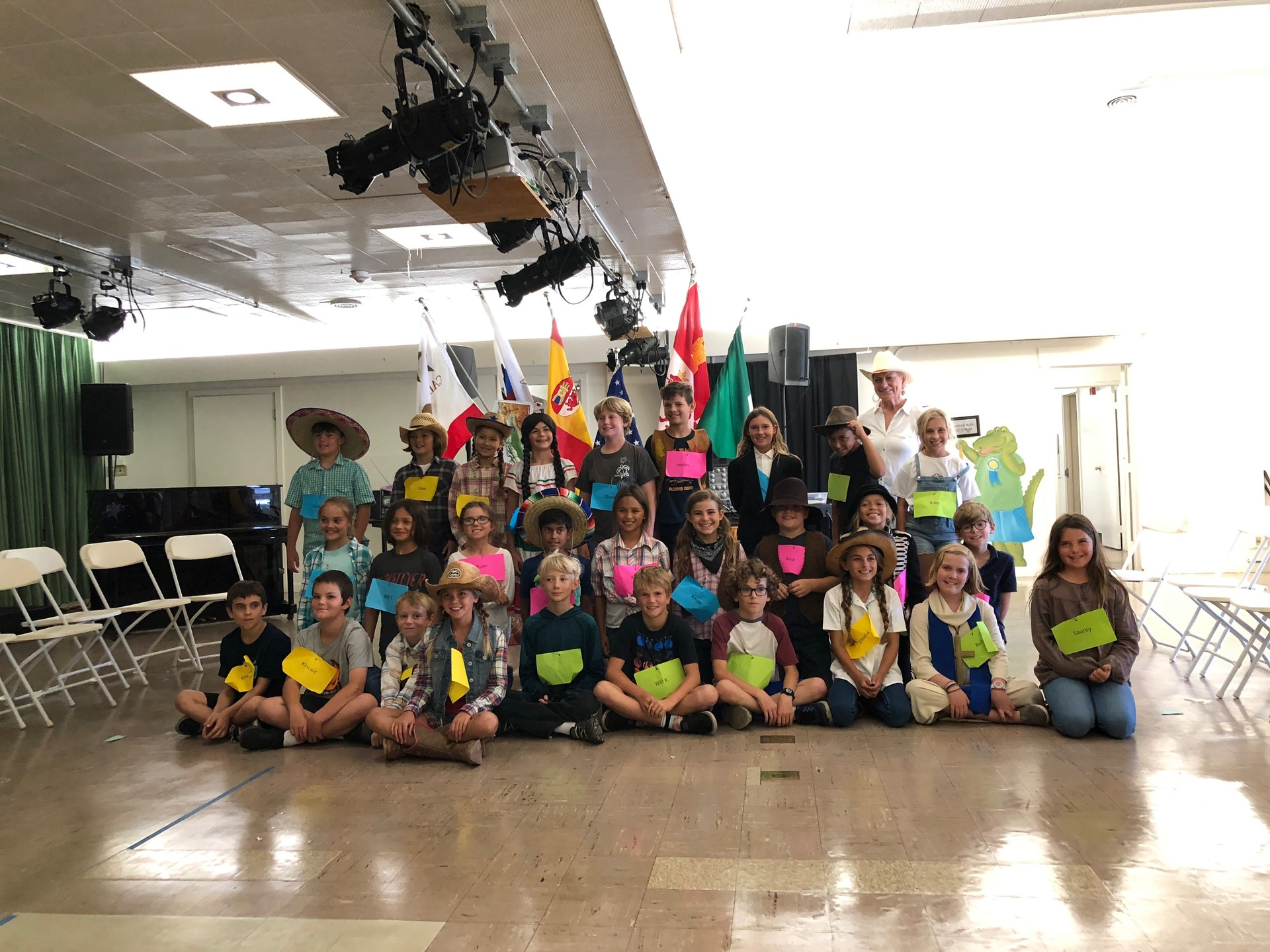 4th graders in walk through California costume