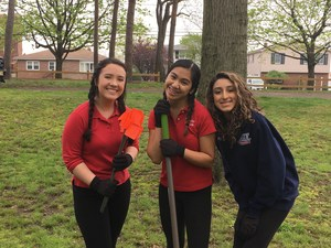 earth day with science club may 2017 (14).JPG