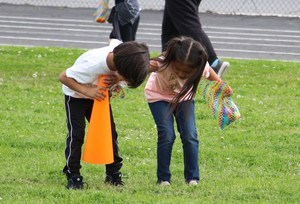 Munsey After School students search for eggs