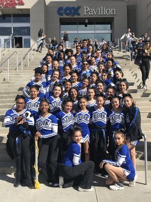 ECTA Cheer team posing for a picture