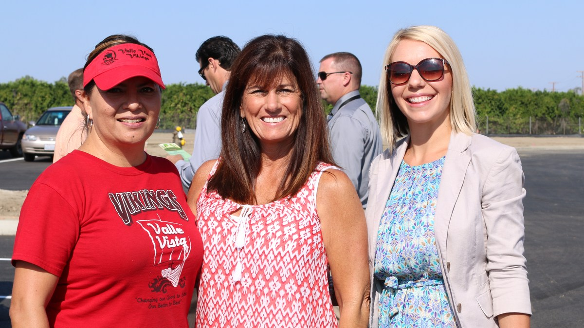 Valle Vista staff at the ribbon cutting ceremony