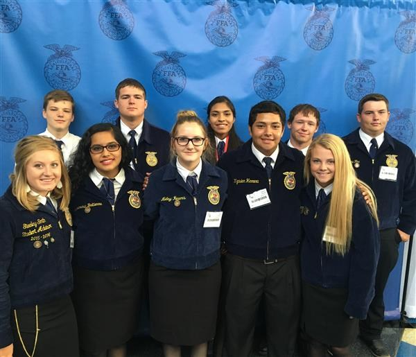 FFA Students at contest