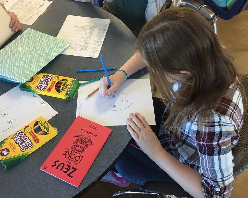 middle school students drawing