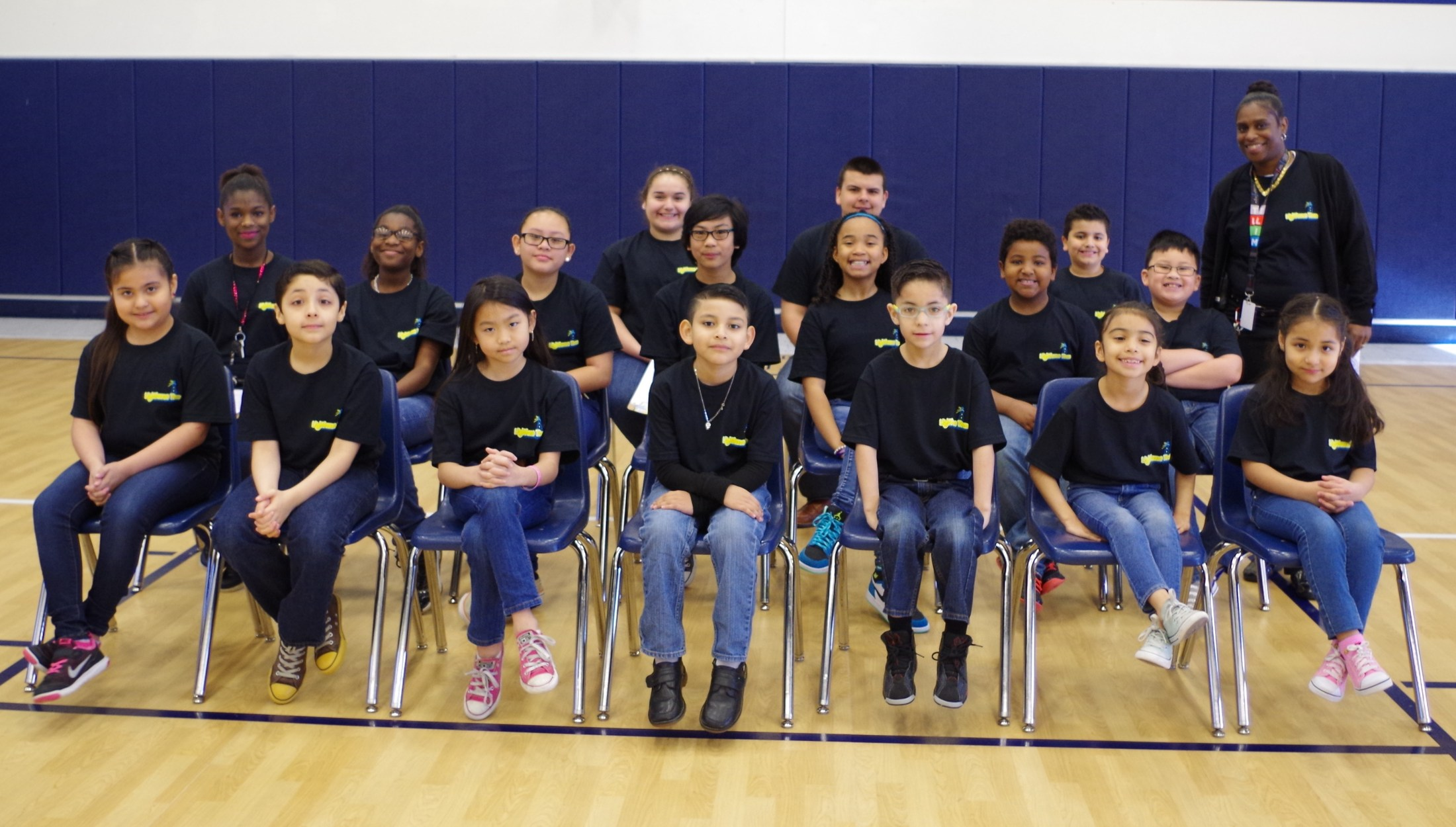 Students class picture