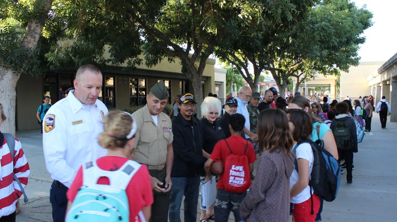 Veterans welcoming Dartmouth Middle School students onto campus