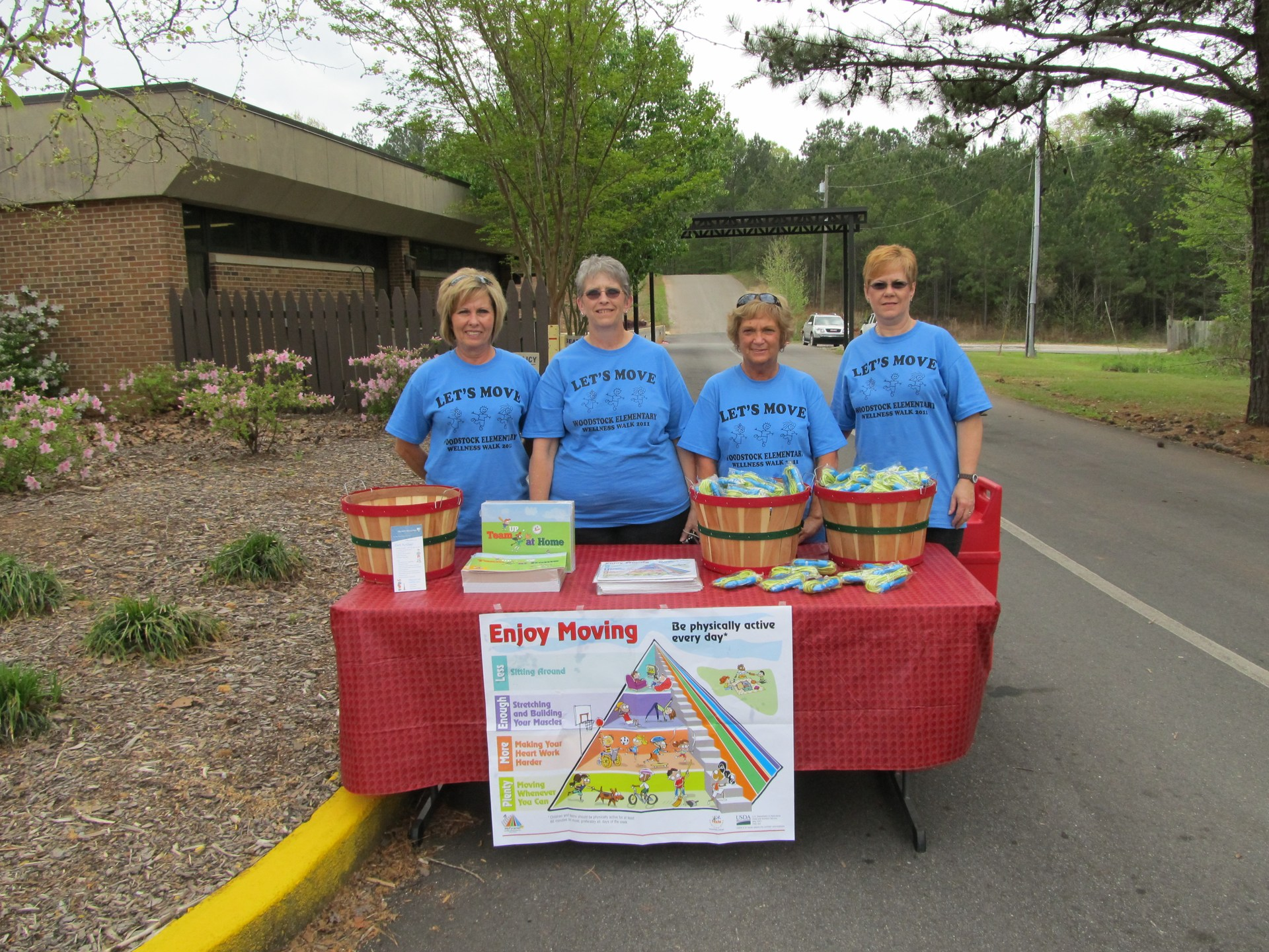 2017 Woodstock Elementary Wellness Walk Lunchroom Staff