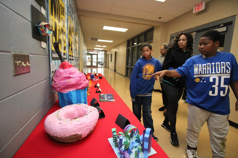 Manor ISD Celebrates Students at Art Show Thumbnail Image
