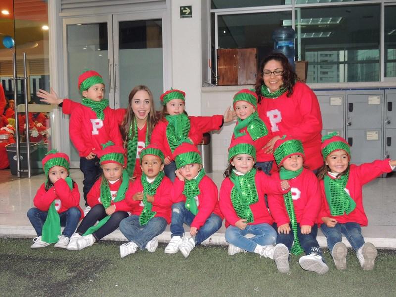 PINECREST INSTITUTE Celebra Una Navidad en Familia Thumbnail Image