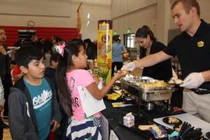 Students sampling food
