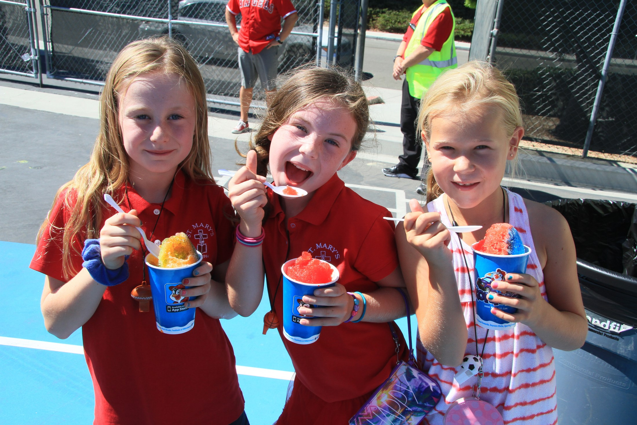 Summer Resort Photo of 3 girls eating shaved ice