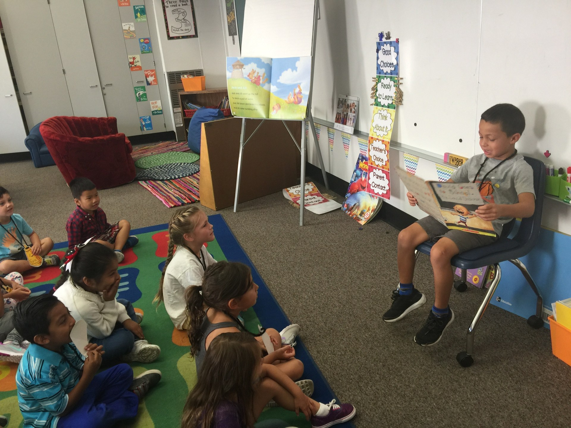Kindergarten Kids READ!