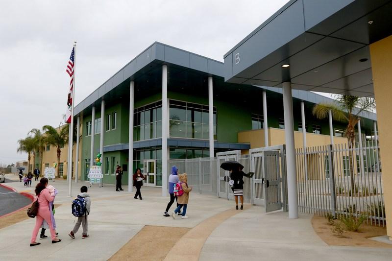 Exterior of Edgemont Elementary School