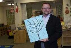 board_president_visits_crockett_elementary2_010814.jpg