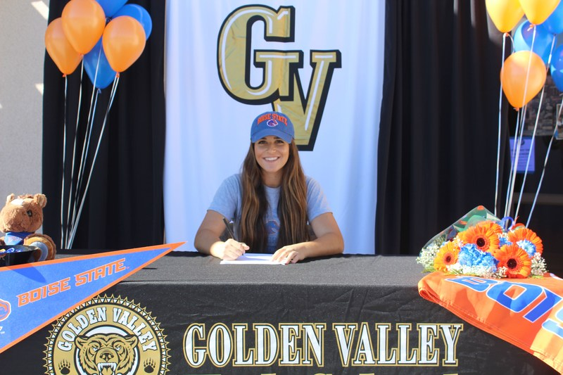 Congratulations to Cassidy Cangemi on signing with Boise State! Featured Photo
