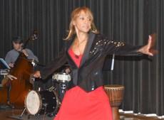 Julia Simpson Performs