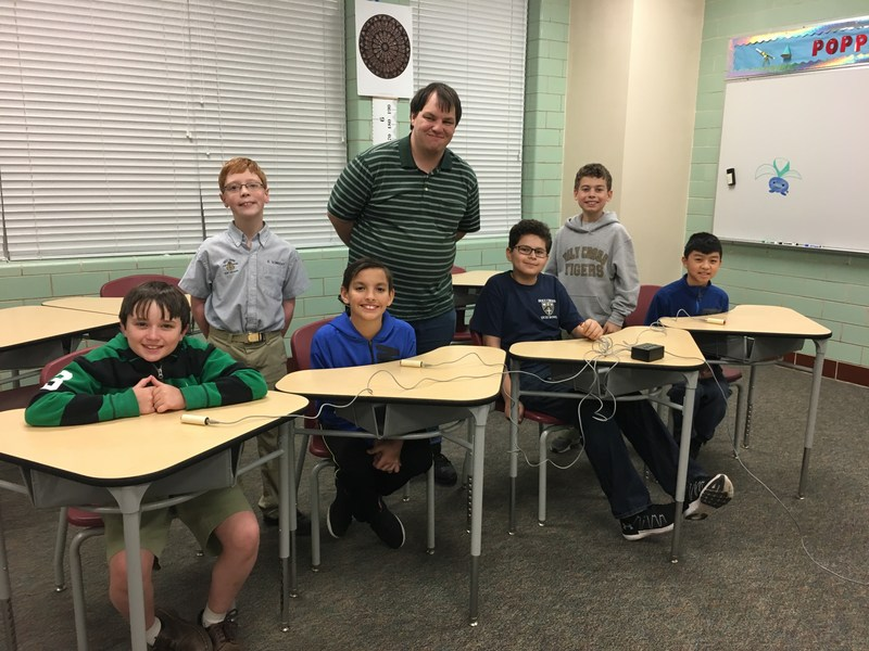 Middle School Quiz Bowl Places Second Featured Photo