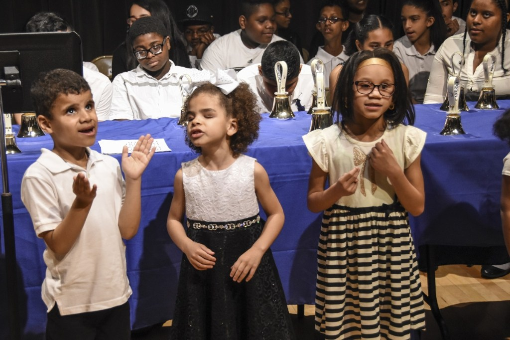 Elementary Schermerhorn students singing