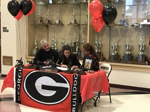 Addy Cullum signs with the University of Georgia.