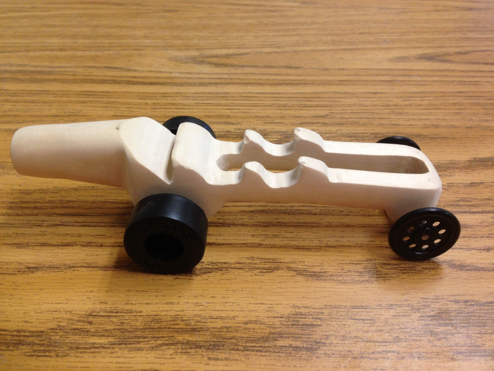 Co2 Dragster – Students – Atwater Senior Academy