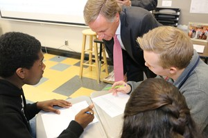 Gov. Haslam with students Central Magnet School