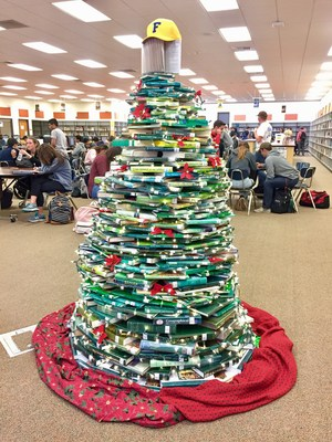 Library Holiday Tree 2017.jpg