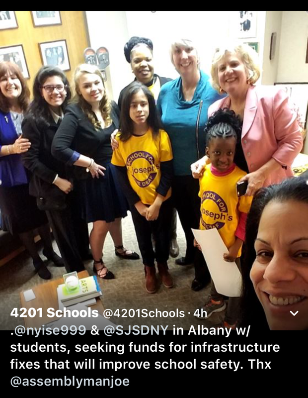 4201 Students and staff in Albany for Advocacy Day.