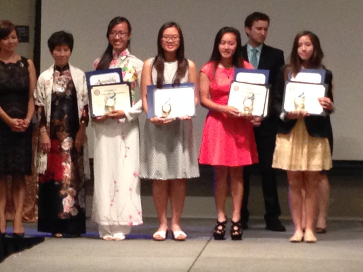 Visit Foundation Scholarship Recipients at the Vietnamese American Chamber of Commerce 30th Anniversary Gala