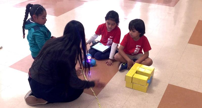 Loma Vista Students Begin 6 Week Robotics Class Featured Photo