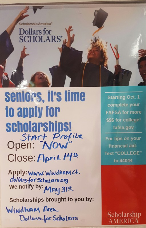 Seniors, it's time to apply for scholarships! Thumbnail Image