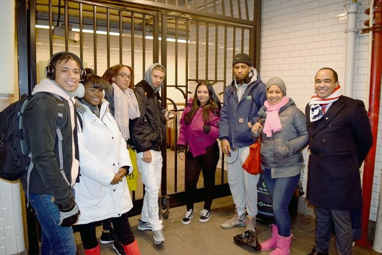 Subway Civics Civismo del Metro Featured Photo
