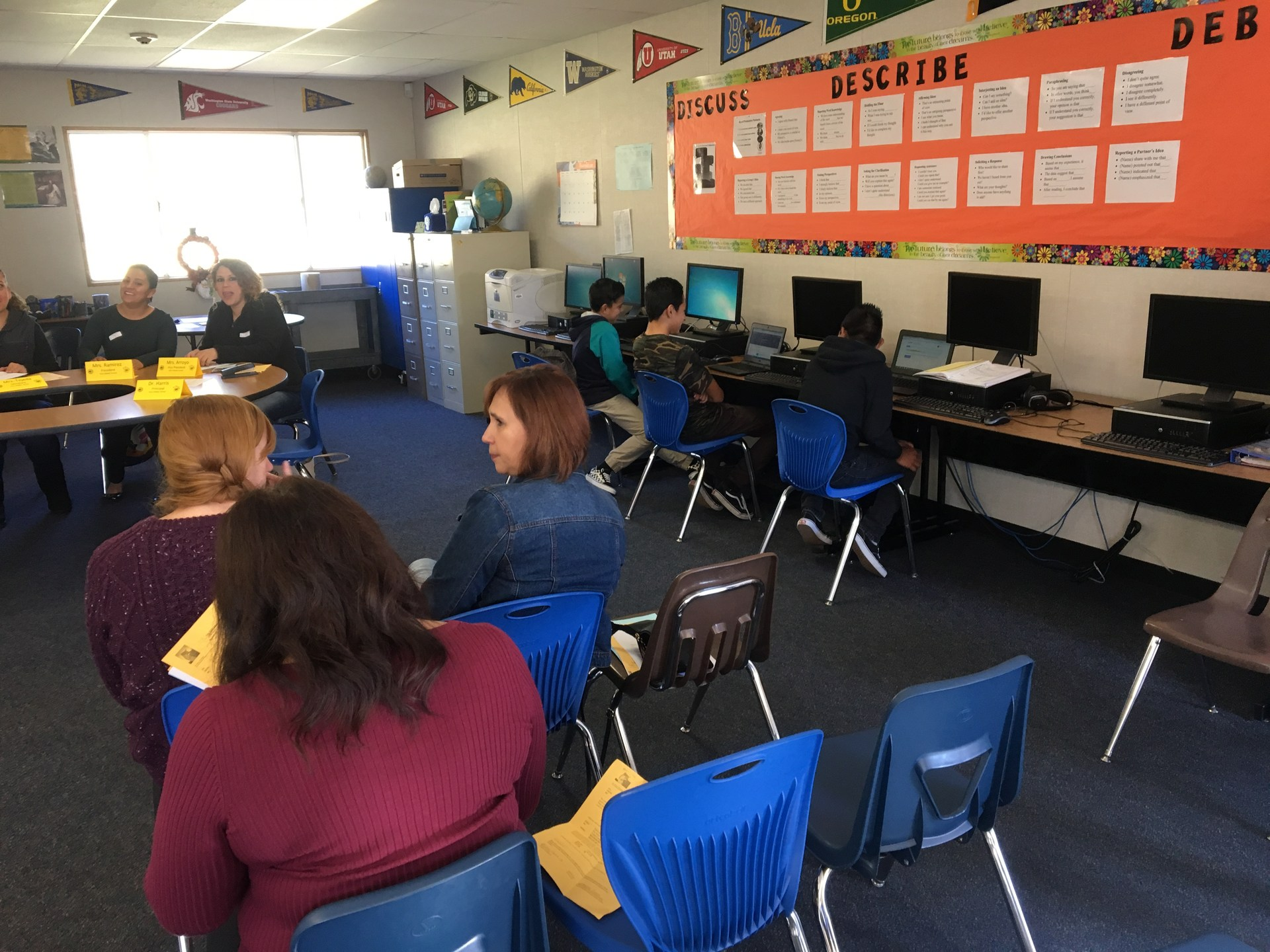 EL Students Demonstrate School Technology for Parents
