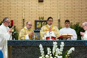 20170627 Father Miguel first Mass 4345.jpg