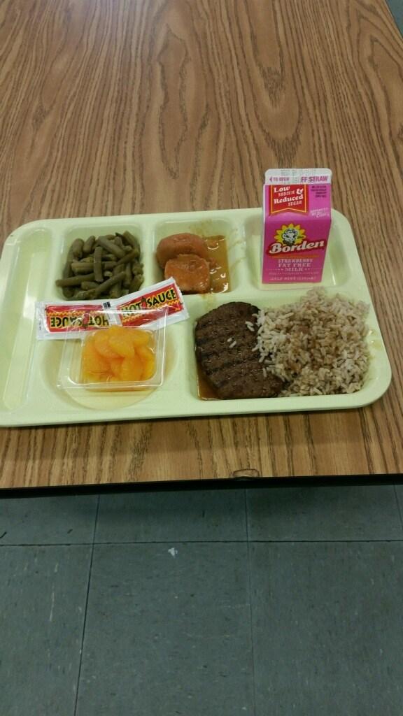 salisbury steak lunch tray