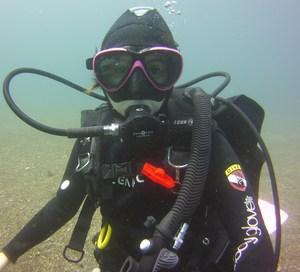 Saragrace diving.jpg