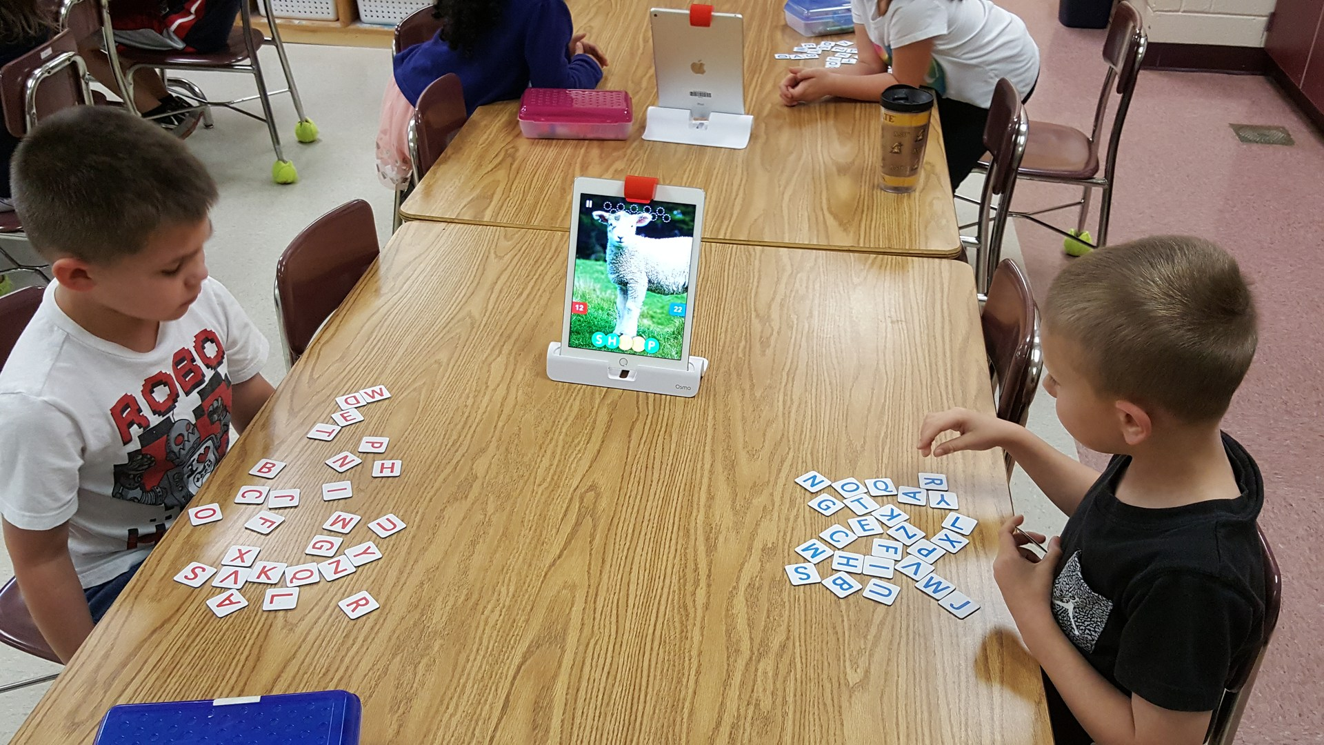 kids using Osmo