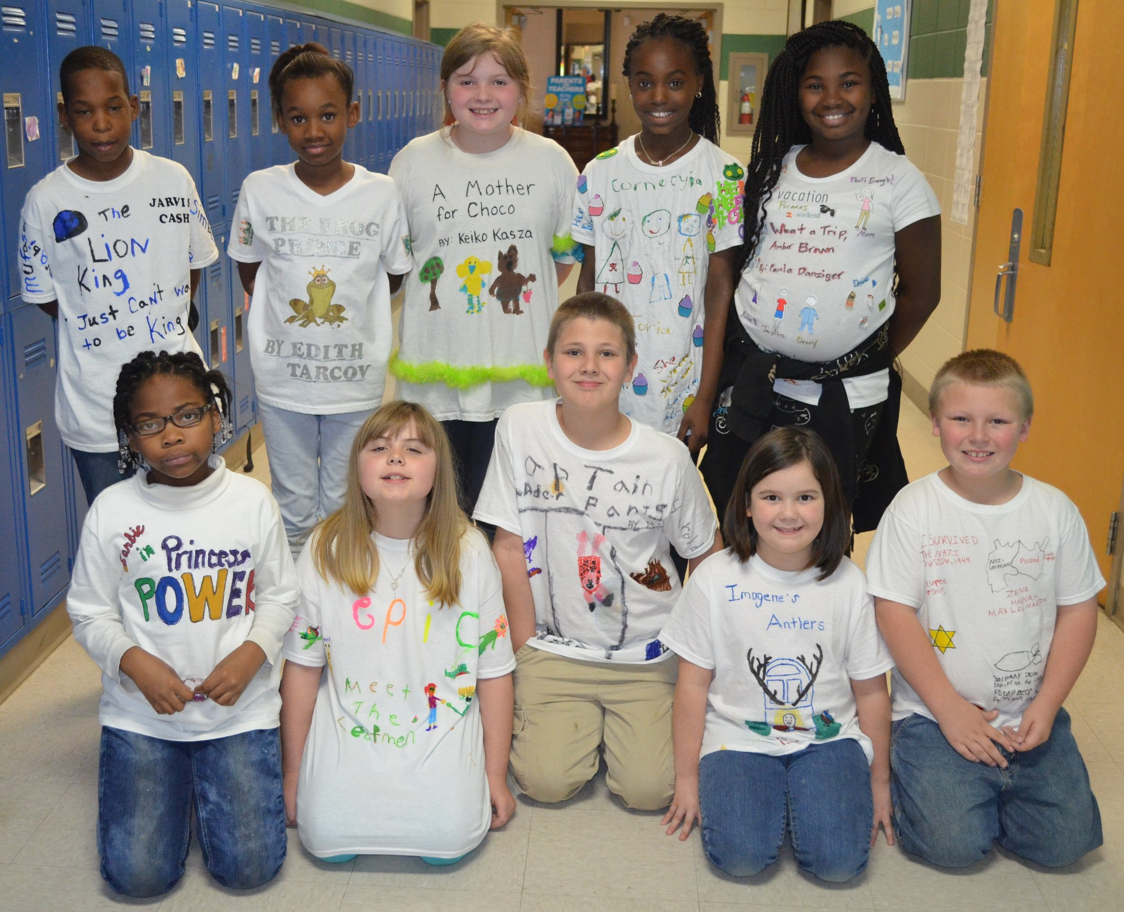 BES students create T-shirt book reports.