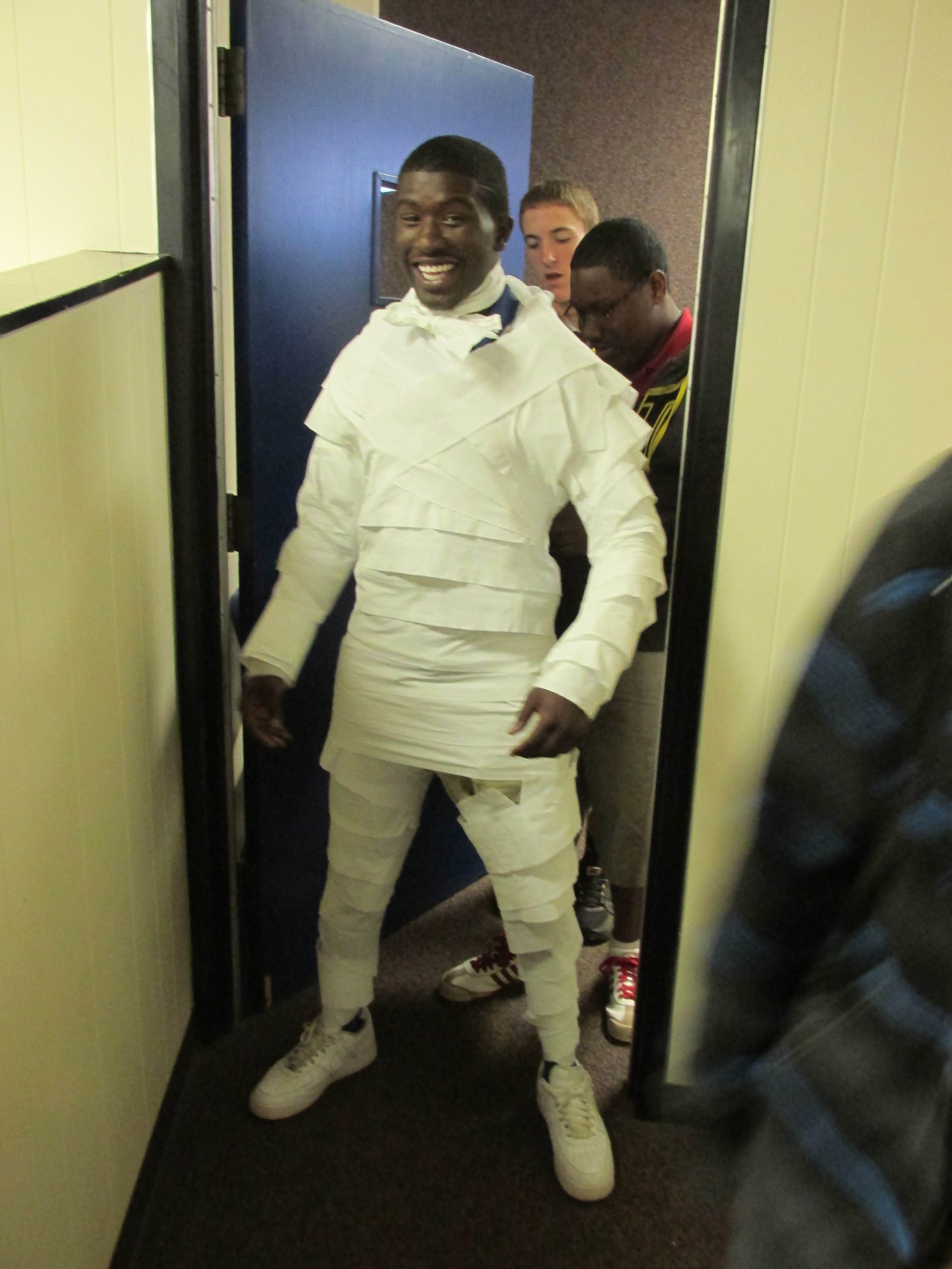 Choir tuxedo made out of toilet paper